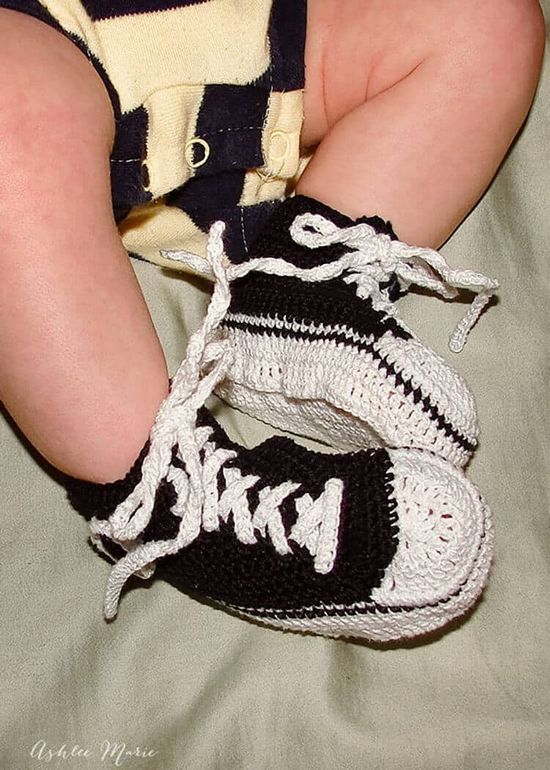 Free Crochet Converse Button Baby Booties Pattern