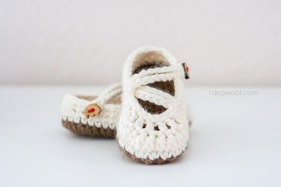 Free Crochet Double Strapped Baby Mary Janes Pattern