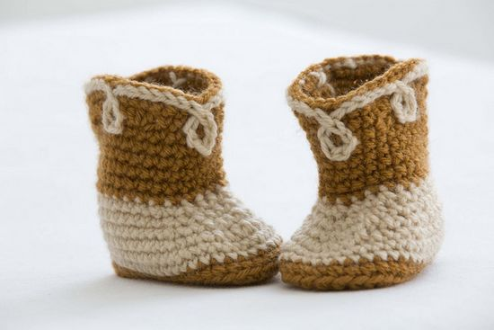 Free Crochet Giddy-up Baby Booties Pattern