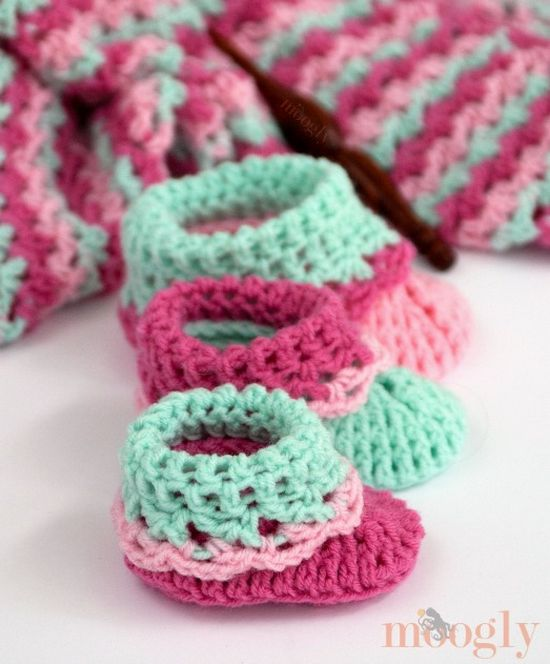 Free Crochet Loopy Love Big Booties Pattern