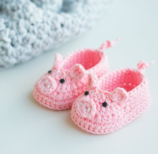 Free Crochet Piggy Booties Pattern