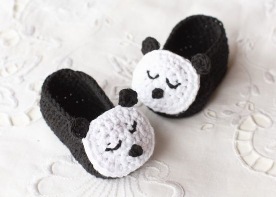 Free Crochet Sleepy Panda Baby Booties Pattern
