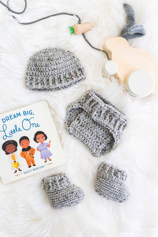 Free Crochet The Parker Baby Booties Pattern