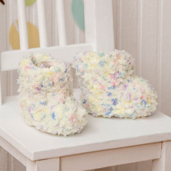 Free Crochet Warm & Fluffy Baby Booties Pattern