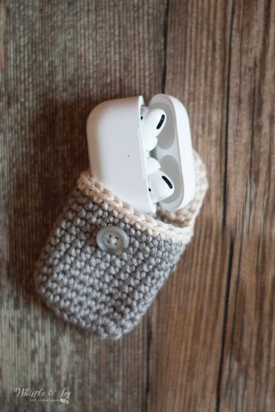 Free Crocheting Pattern Of Airpods Pouch