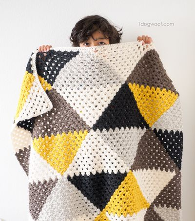 Love Triangles Crochet Baby Blanket Pattern