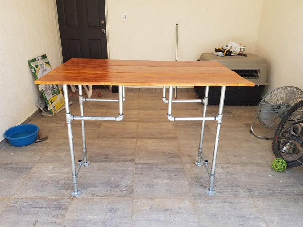 Handmade desk With Wood And Pipe