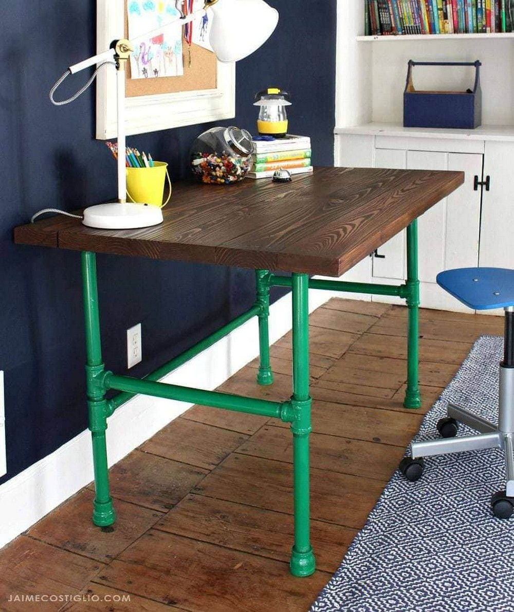 DIY Pipe Table With Painted Base