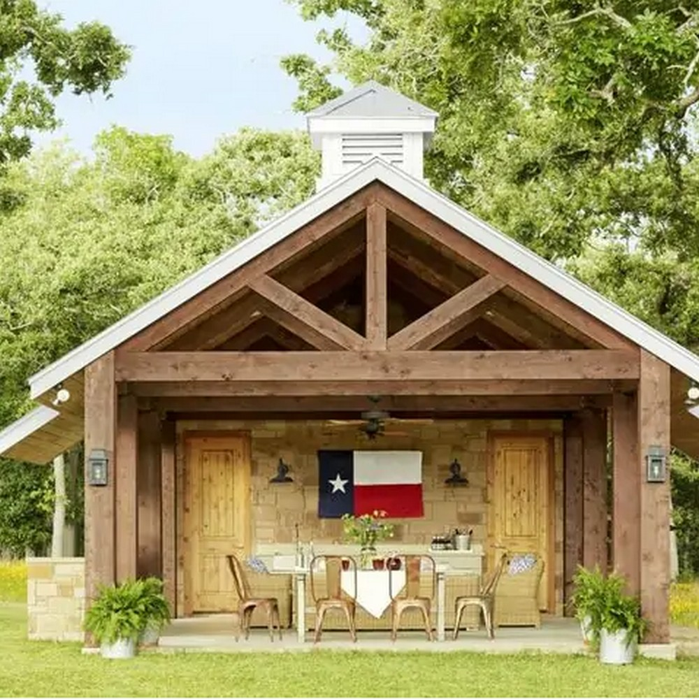 Rustic look shed plan
