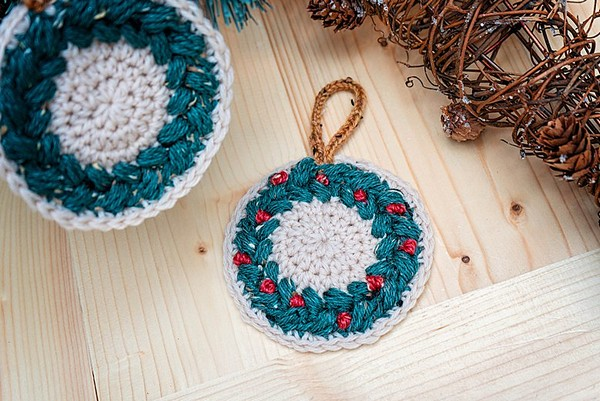 Wreath Ornament And Coaster Crochet Pattern